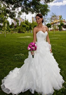 rochie-de-mireasa-1385804553880-999x1427