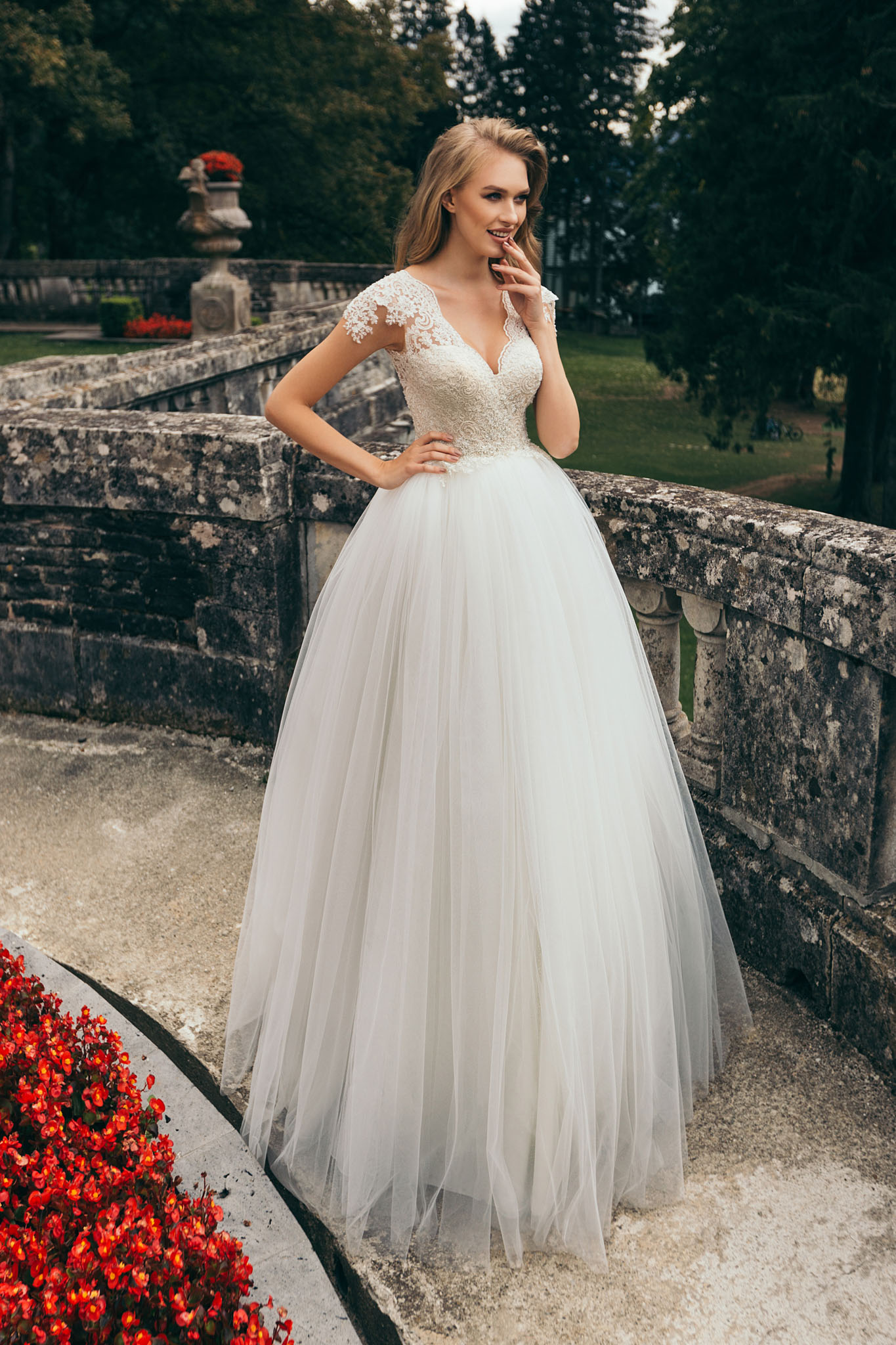Rochie De Mireasa Stil Printesa 7805 Best Bride