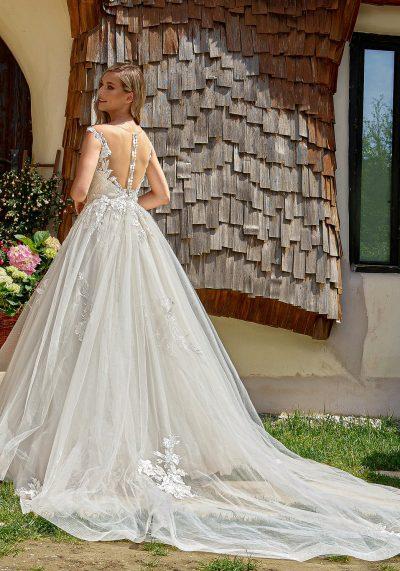 rochie mireasa cu trena