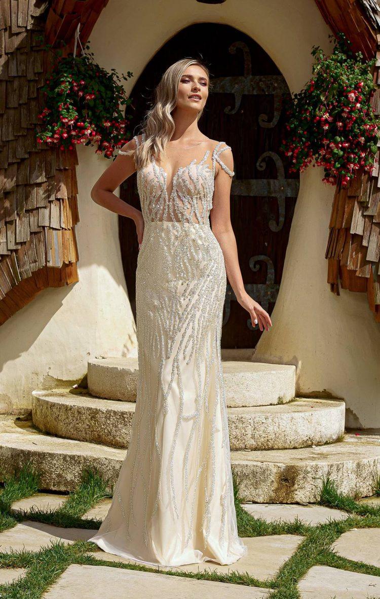 rochie de mireasa sirena corset transparent si trena detasabila