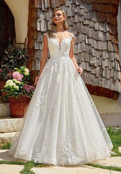 Rochie mireasă din dantela stil printesa